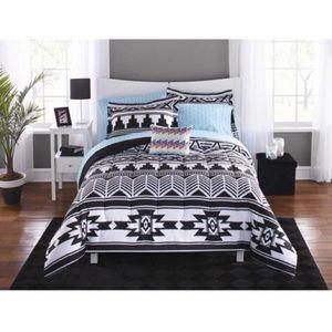 Queen comforter 8 pc set